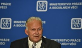 Odstupující ministr práce a sociálních věcí Petr Krčál