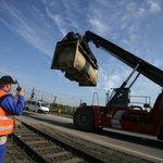 Uhlí už netáhne. Místo tuhých surovin se nákladní dopravci stále víc zaměřují na kontejnerové vlaky s jednodušší nákladkou a vykládkou.