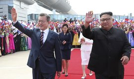 Jihokorejský prezident Mun Če-in a vůdce KLDR Kim Čong-un