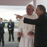 Papež František s kubánským prezidentem Raúlem Castrem