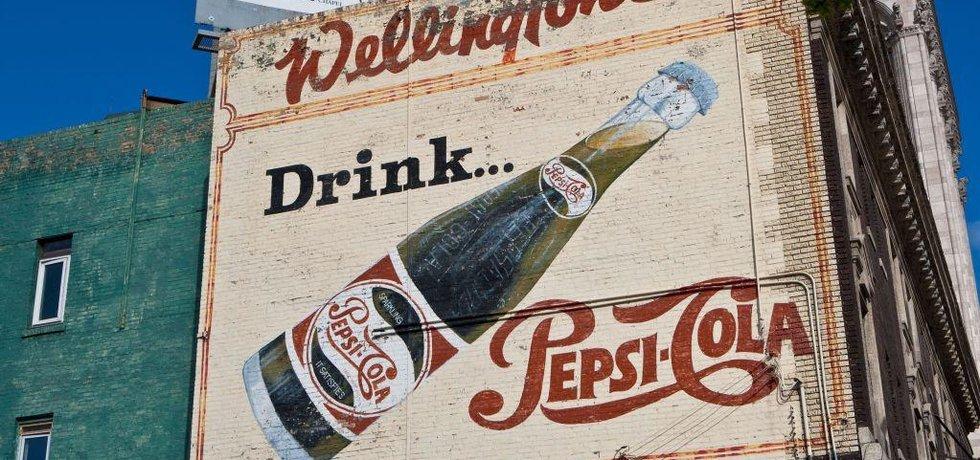 Pepsi utratila desítky milionů dolarů za kampaň. O tom, že jde najednou o jiné pití než doposud, spotřebitele nepřesvědčila.