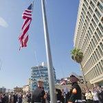 Vlajka před americkou ambasádou v Havaně