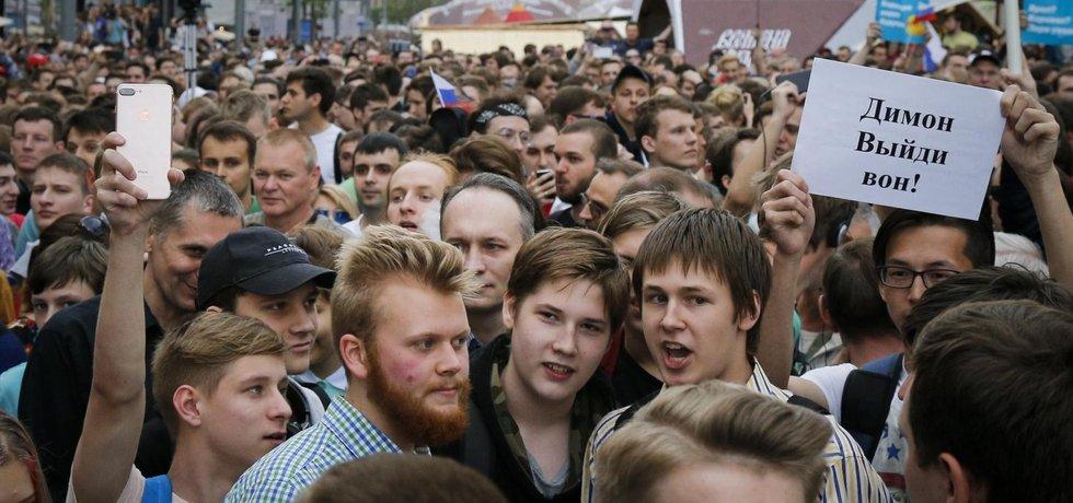 Kreml zatčené demonstranty propustit nehodlá