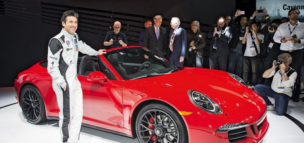 Herec a závodník Patrick Dempsey zapózoval s druhou generací Porsche 911 Carrera GTS