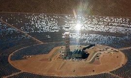 Solární elektrárna v Mohavské poušti v Kalifornii.