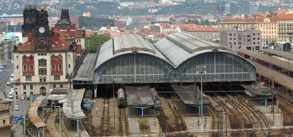 Ocelová střecha pražského hlavního nádraží
