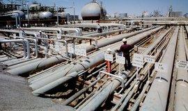 Rafinérie v Ras Tanura v Saúdské Arábii, ilustrační foto