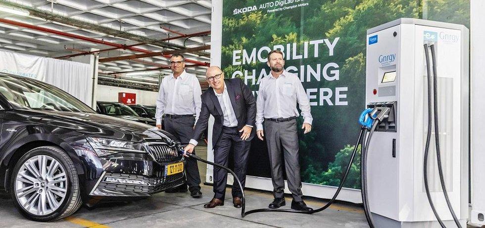 Škoda Auto spolupracuje s firmou Chakratec na dobíjení elektromobilů, ilustrační foto