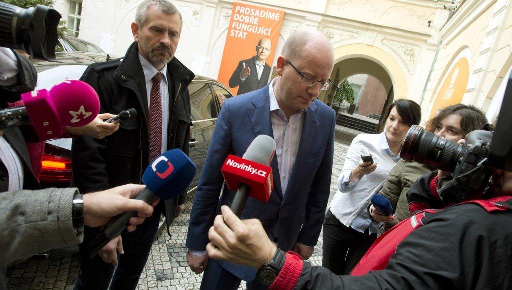 Podle premiéra Bohuslava Sobotky lidé ve volbách rozhodli, že chtějí po osmi letech změnu ve vedení krajů.