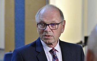 Ministr financí Ivan Pilný