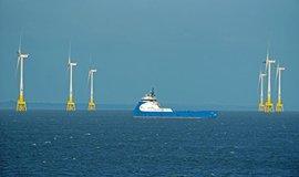 Větrné turbíny u skotských břehů, ilustrační foto