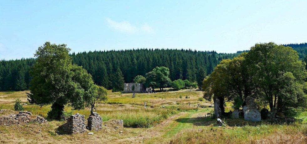Rozvaliny krušnohorské obce Königsmühle