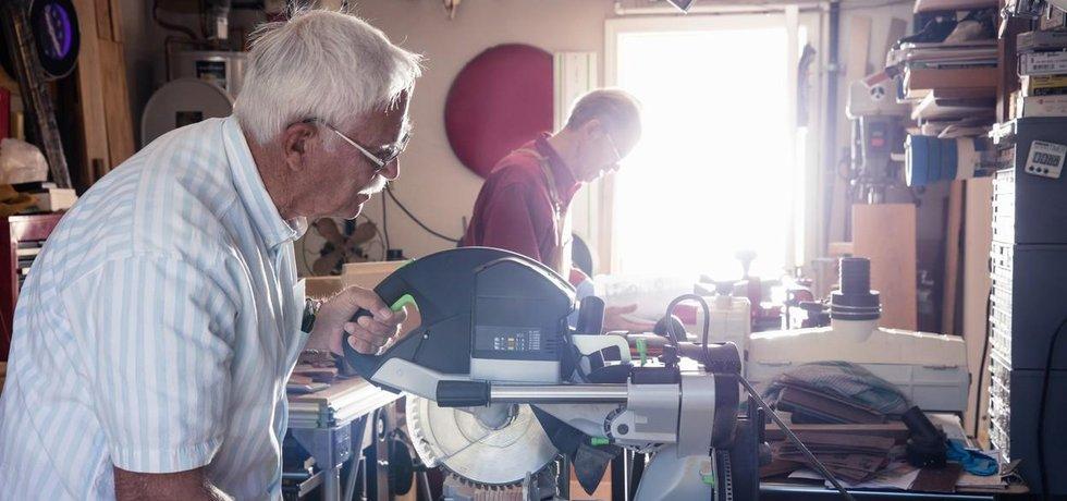 Pracující senior, ilustrační foto (Zdroj: Profimedia.cz)