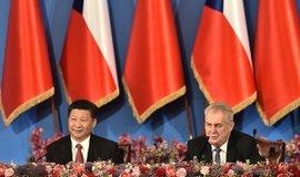 Prezident Miloš Zeman (vpravo) a jeho čínský protějšek Si Ťin-pching (vlevo), ilustrační foto.