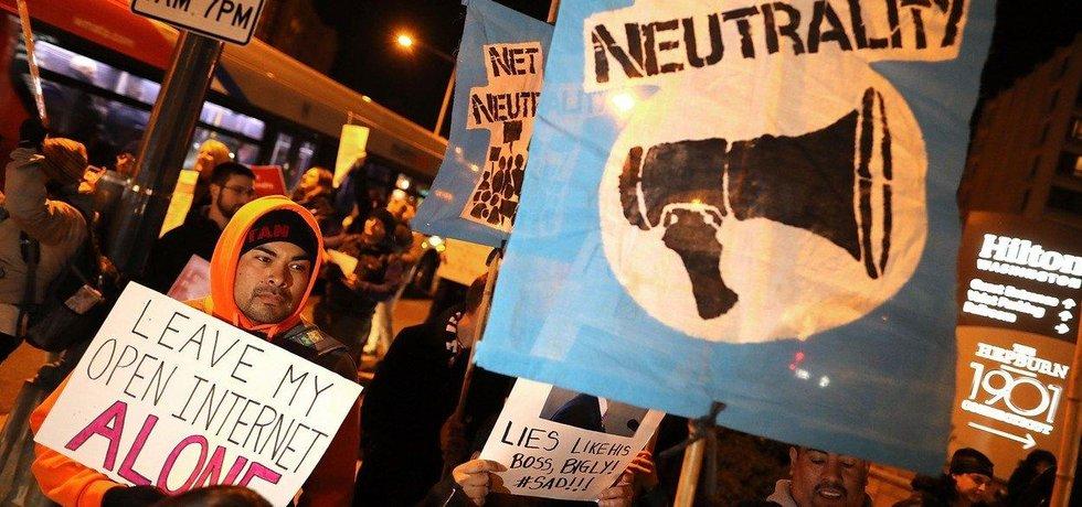 Protesty proti zrušení síťové neutrality