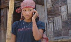 Mobilní telefony pomalu začínají pronikat i na indický venkov