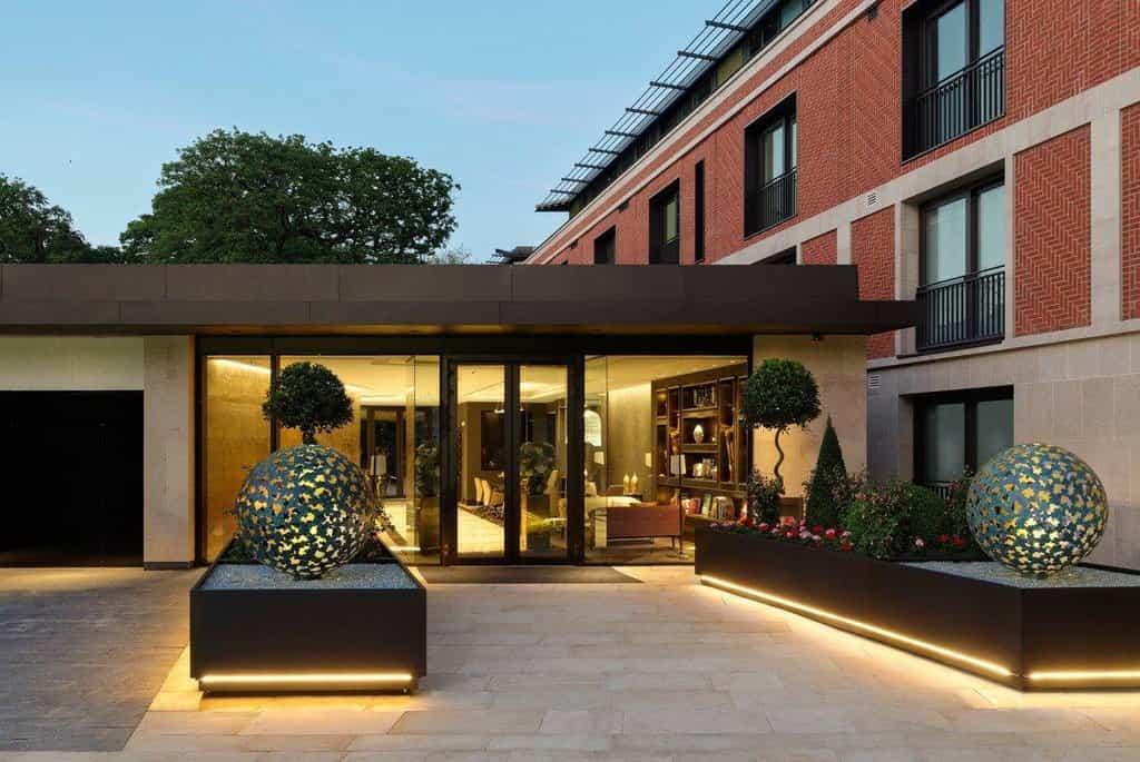 Londýnská rezidence Buxmead Development, v níž 11 bytů koupil Radovan Vítek
