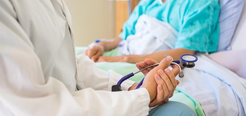 *lékař, pacientka, pokoj, nemocnice, stetoskop
