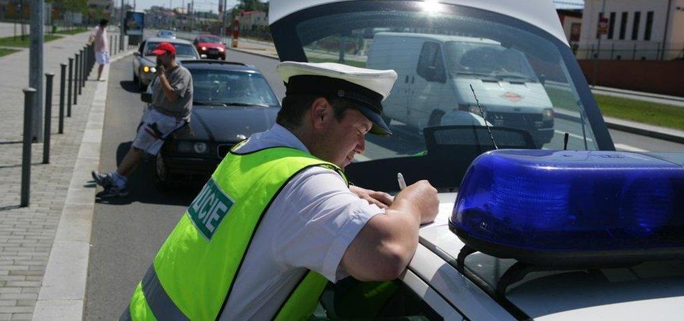 Policie řeší dopravní přestupek - ilustrační foto