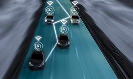 Studie: Vzájemná komunikace samořídících vozů zrychlí provoz až o třetinu
