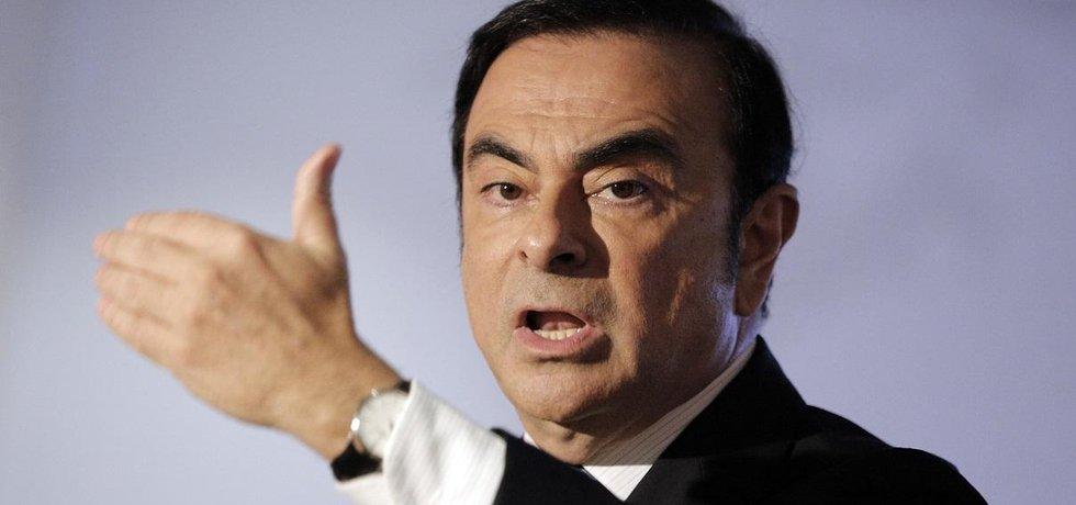 Carlos Ghosn byl odvolán z čela Nissanu