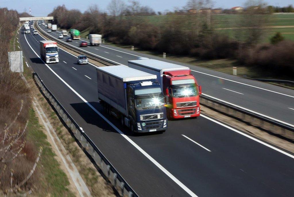 Kamionová doprava, ilustrační foto