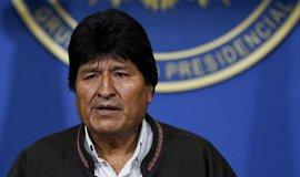 V Bolívii sílí nepokoje, exprezident Morales odletěl získal azyl v Mexiku