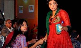 Indická herečka Tanushree Duta (vpravo) na archivním snímku v roce 2012.