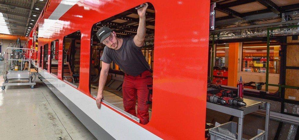 Výroba vagónu v závodu Bombardier Transportation