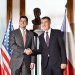 Premiér v demisi Andrej Babiš (vpravo) se 26. března 2018 v Praze setkal s šéfem Sněmovny reprezentantů amerického Kongresu Paulem Ryanem