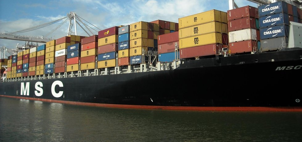 Většina obchodní výměny mezi USA a EU probíhá díky kontejnerovým lodím