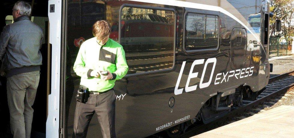 Vlak Leo Express na Hlavním nádraží v Praze