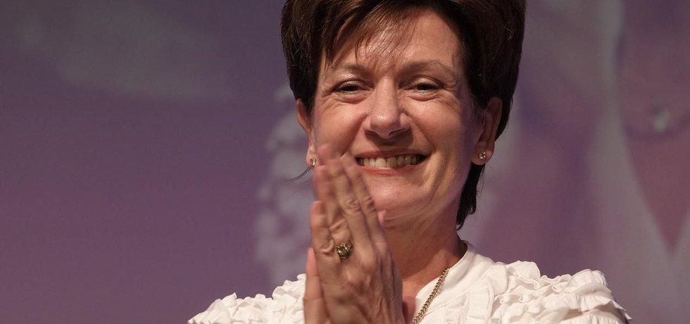 Diane Jamesová skončila v čele UKIP po osmnácti dnech