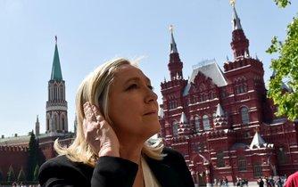 Marine Le Penová na moskevském Rudém náměstí