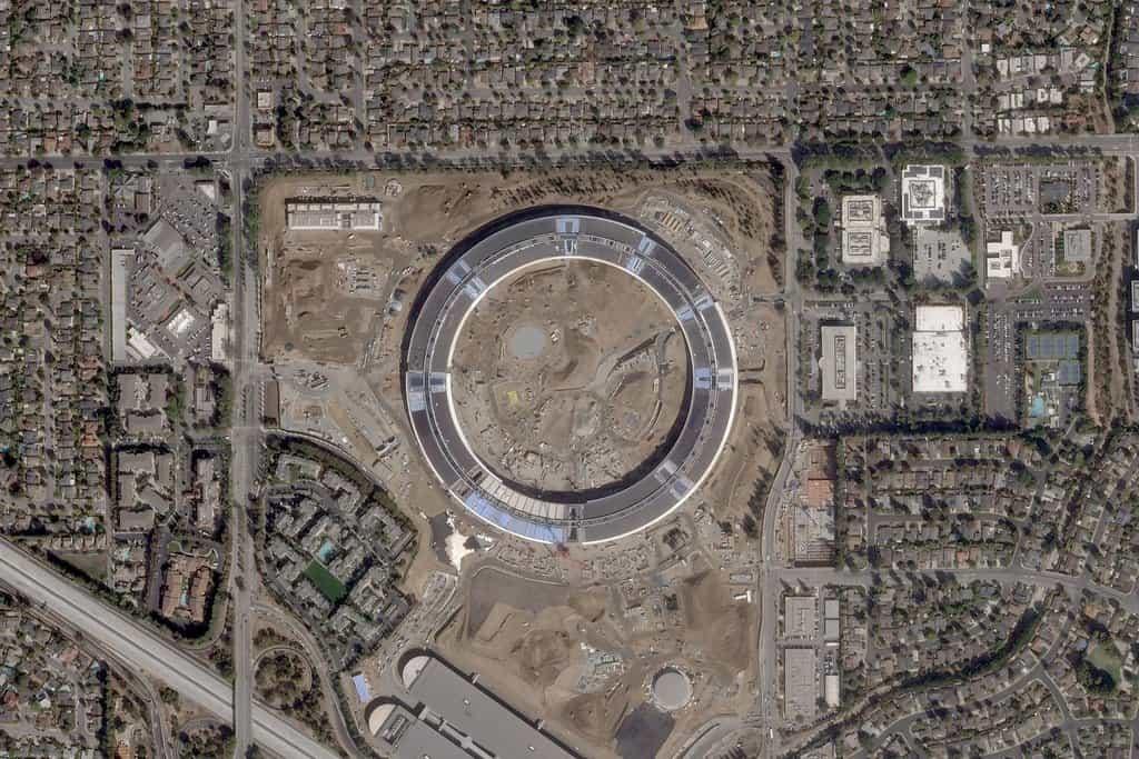Nový kampus Apple,Cupertino, Kalifornie.  7. říjen 2016