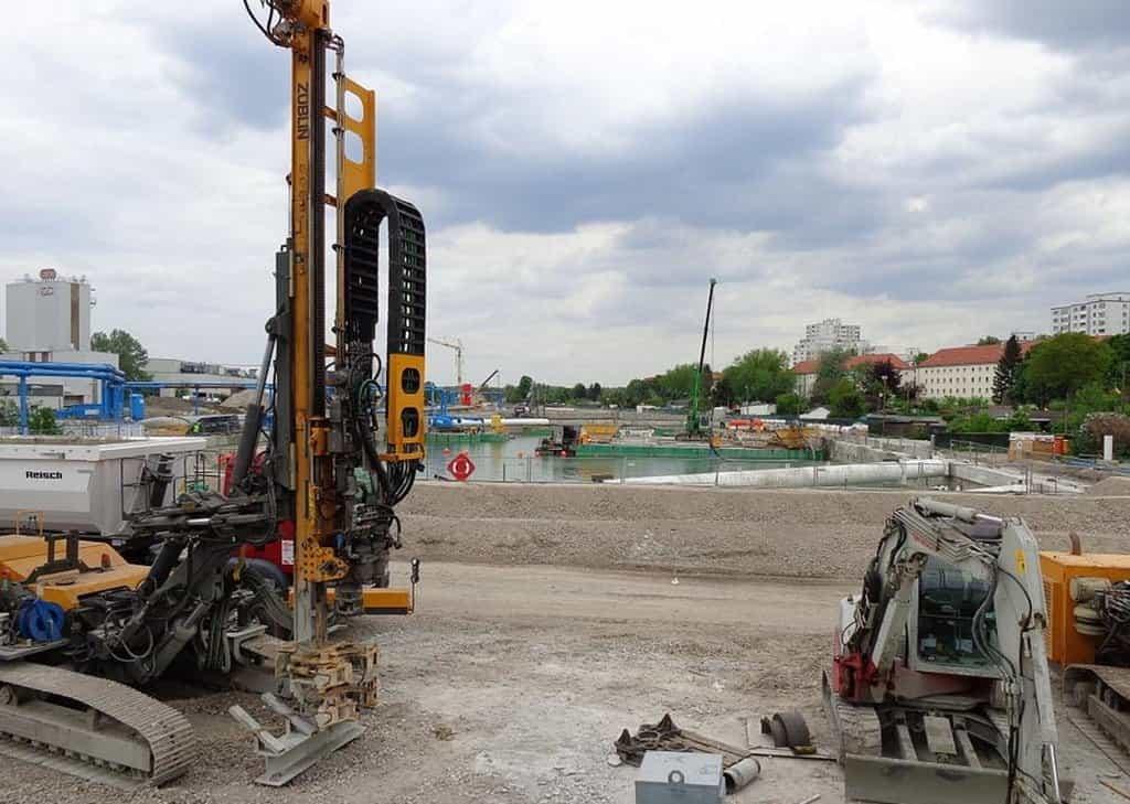 Výstavba A100 severně od Sonnenallee.