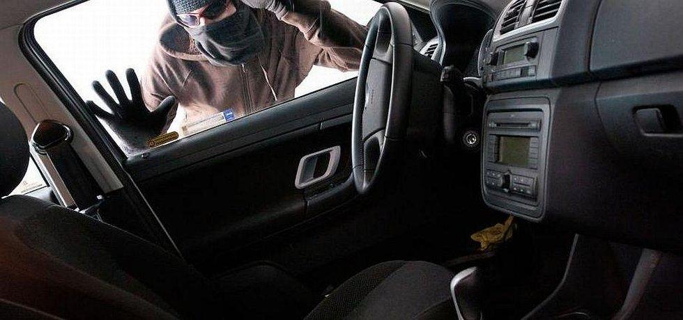 Krádež auta, ilustrační foto