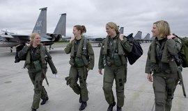 Pilotky F15 Eagle na základně Elemndorf na Aljašce