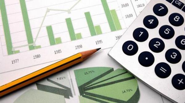 peníze, daně, kalkulačka