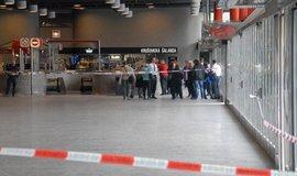 Policie 15. dubna odpoledne evakuovala část hlavního nádraží v Praze kvůli nálezu dvou podezřelých batohů.