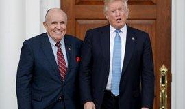 Trumpův muž Giuliani zesiluje tlak na Ukrajinu. Vydal se do Kyjeva pro nové informace