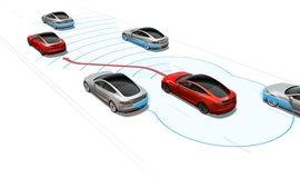 Tesla Autopilot s funkcí změny jízdního pruhu