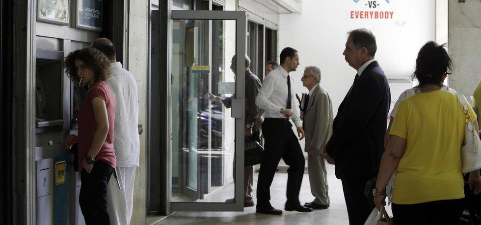 Vybírání úspor v Řecku