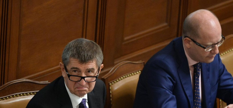 Ministr financí Andrej Babiš a premiér Bohuslav Sobotka