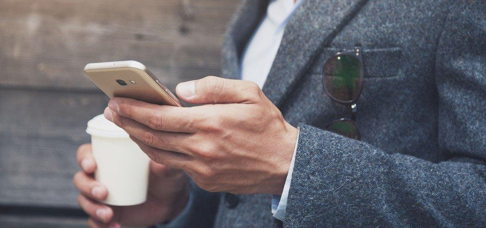 Ceníkové ceny tuzemských mobilních operátorů jsou vysoko nad evropským průměrem