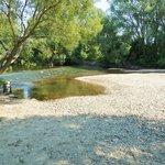 Řeka Morava v Lukavici u Mohelnice během letošního suchého léta