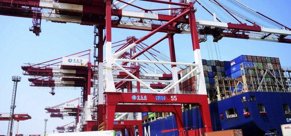 Čínský přístav Qingdao, ilustrační foto