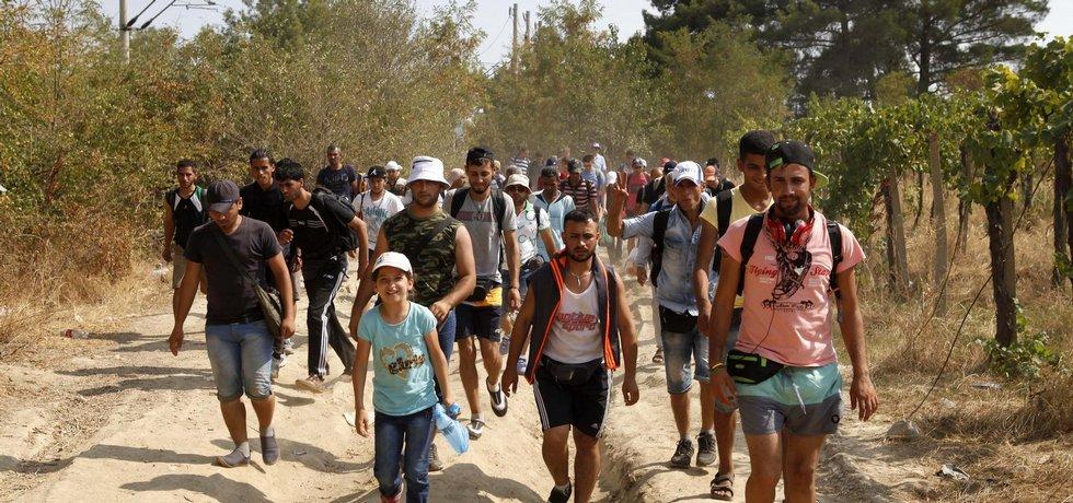 Migranti mířící do EU přes Balkán