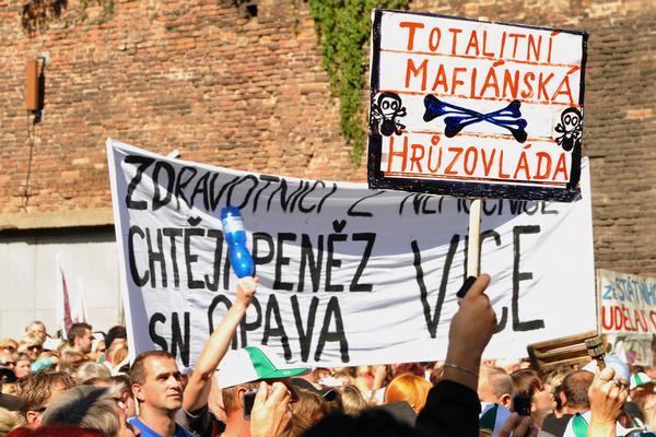 Účastníci demonstrace 21. 9. 2010.