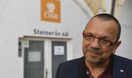 Andrt a Foldyna zůstávají členy ČSSD. Na jejich vyloučení nenašlo předsednictvo dost hlasů